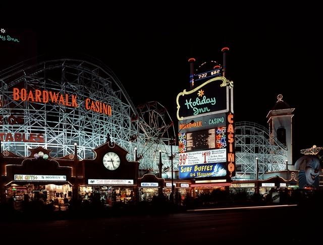 Проект реконструкции старейшего казино 1966 года